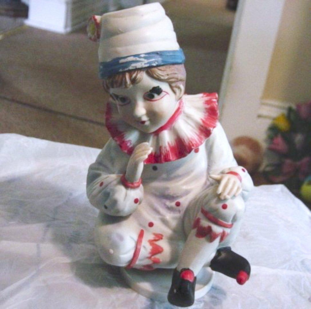 Cute Little Boy Clown Music Box Plays Send in the Clowns  #400025