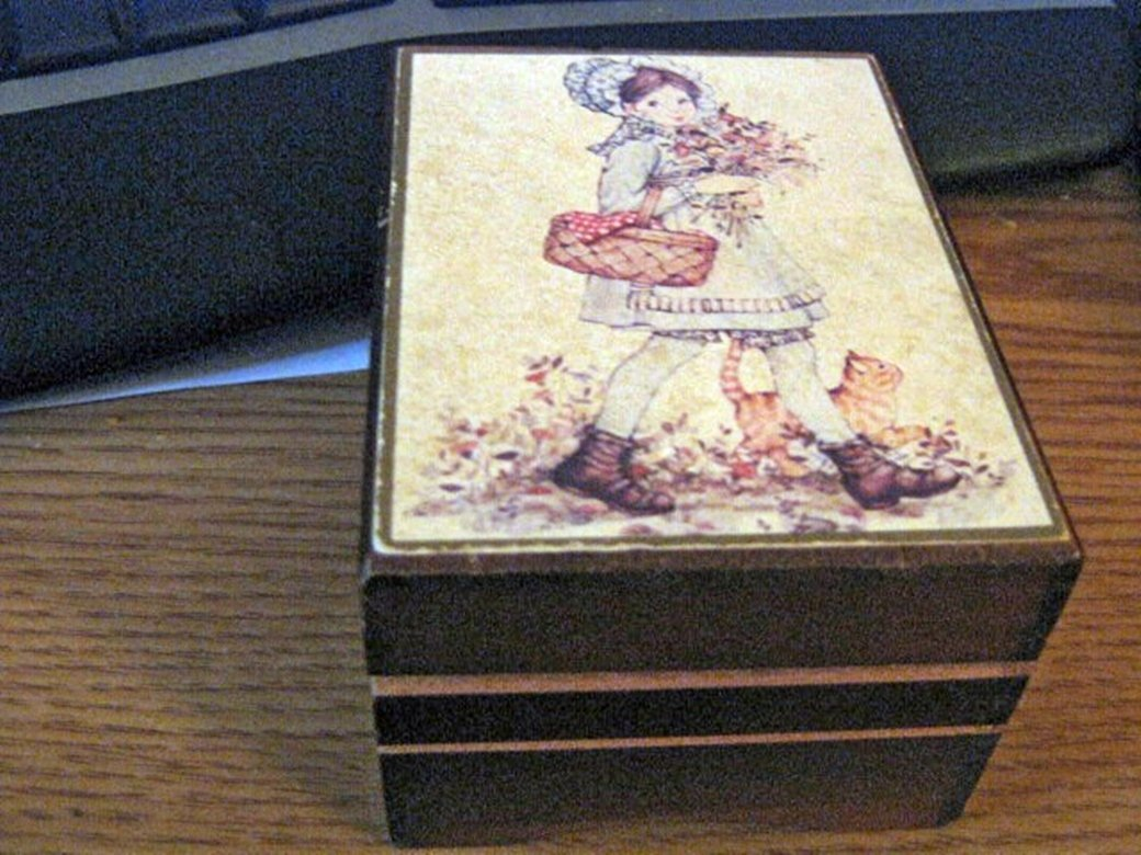 Vintage Wooden Music Box Plays Lara's Theme #400112