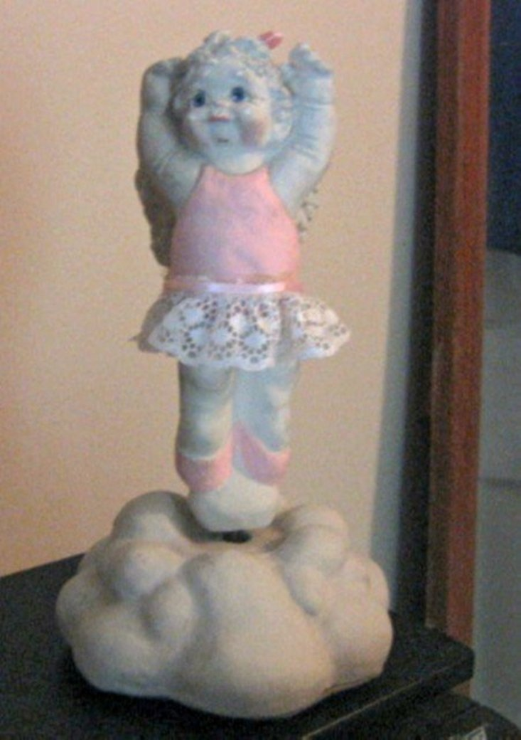 1991 Cast Art Dreamsicles Dance Ballerina Dance on a Cloud Music Box #400089