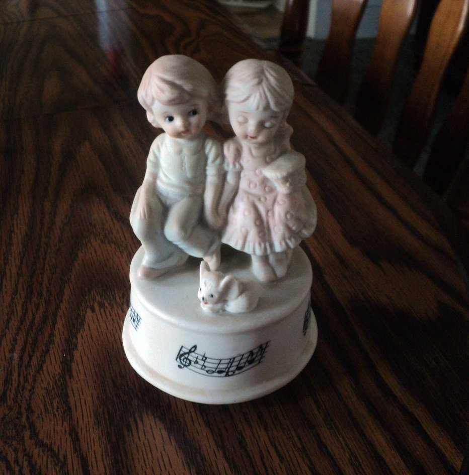 Vintage Porcelain Courting Boy and Girl Music Box Plays Let Me Call You Sweetheart #400160