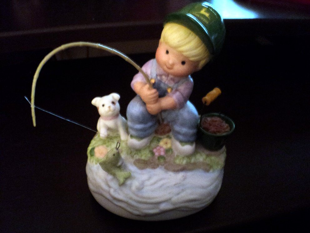 1999 John Deere Boy Fishing Music Box Plays In the Good Old Summertime #400164