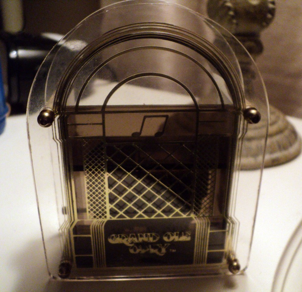 Old Fashioned Radio Music Box Trinket Box Plays You Light Up My Life #400165