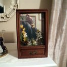 Vintage Wooden Shadow Box & Music Box Adorable Frog Plays a Beautiful Tune #400167