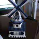 Vintage Delfts Holland Porcelain Windmill Music Box Plays Tulpen aus Amsterdam  #400169