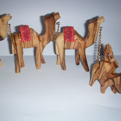 Olive Wood Beduin Camel Caravan