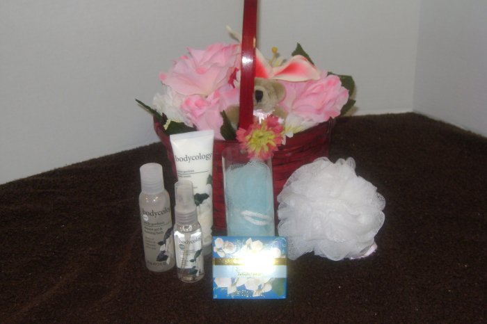 Forever Yours Spa Moments Gift Basket - Valentine's Day