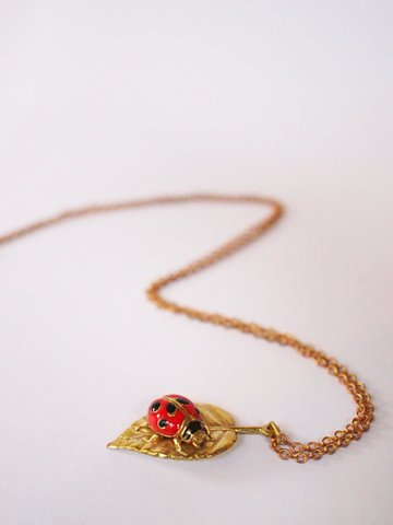 Mafia Jewellery Lady Bug on Leaf Pendant
