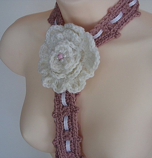 Pink and White Flower necklace 02