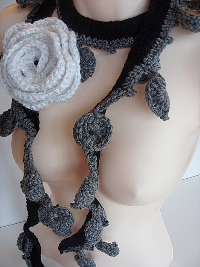 Black-Grey and white Necklace 024