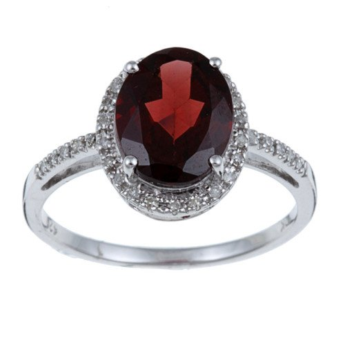 10k White Gold Oval Garnet and Diamond Ring (1/10 TDW)