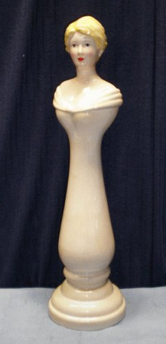 Ivory Countess Necklace Holder