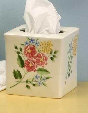 Romantic Bath Tissue Holder