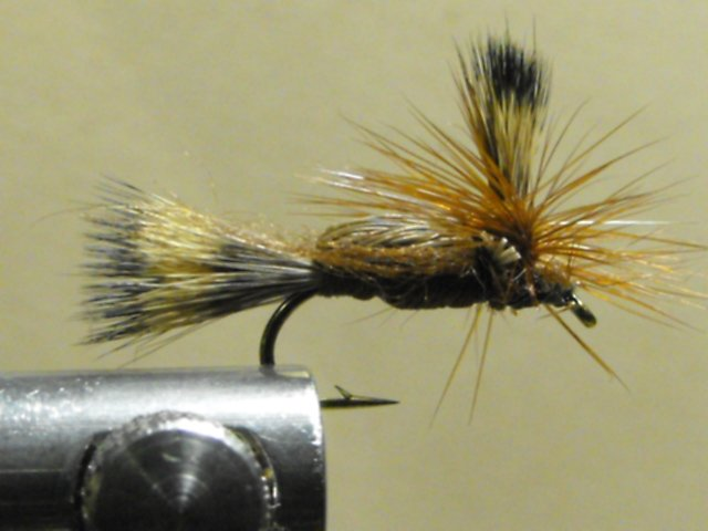 Humpy, Brown - Parachute