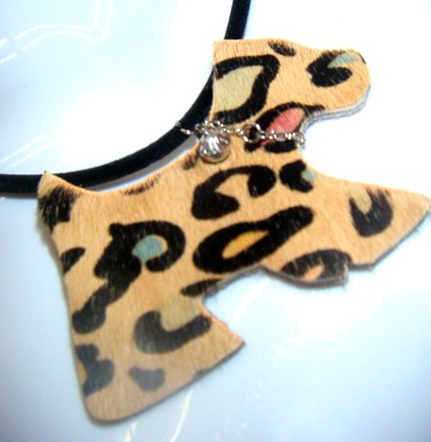 Brown Fur Puppy Short Necklace