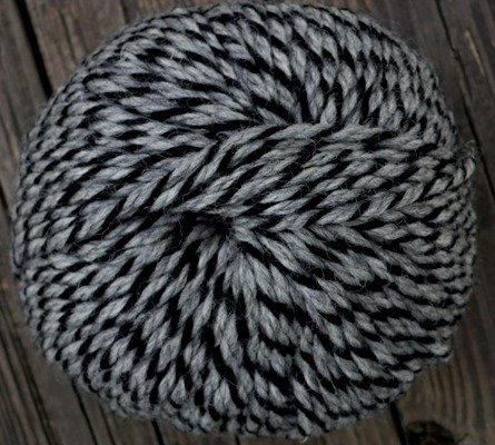 Pure wool yarn Iceland extra bulky weight black & gray