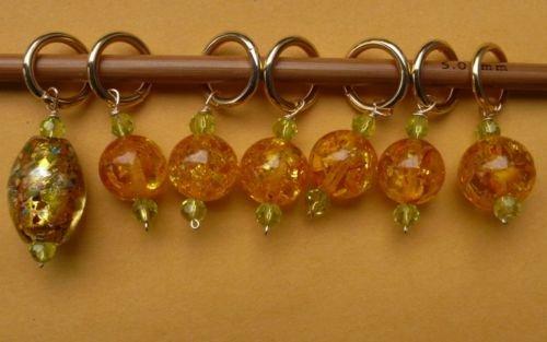 Stitch marker, knitting 6+1 ,  amber crystal & glass