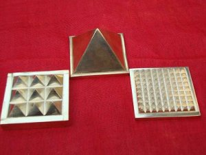 Brass Vastu Pyramid Yantra 1 X 1 inch (1 SET)