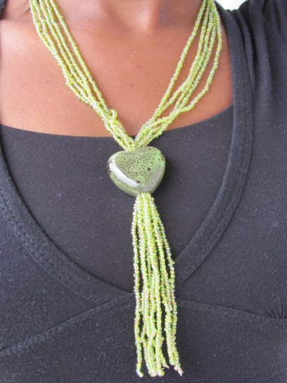 green multi-string short necklace