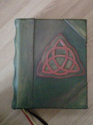 Charmed Book of Shadows true ART new Cover Style
