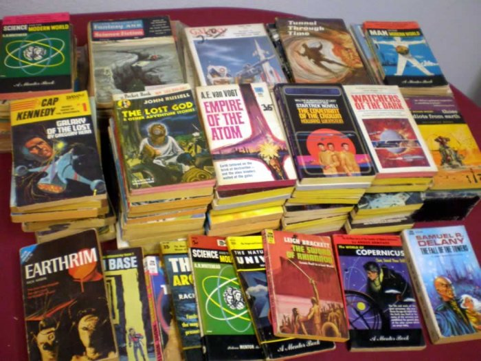 VINTAGE FANTASY/SCI-FI PAPERBACK LOT OF 20 # 20, 2.0 GD