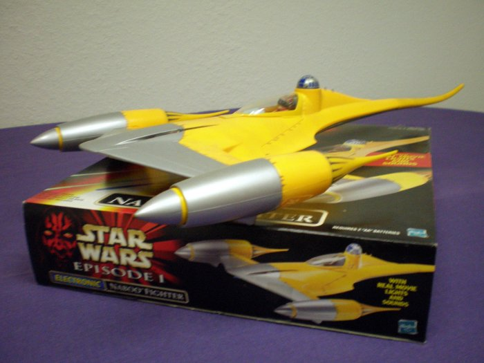 STAR WARS ELECTRONIC NABOO FIGHTER # 84099, 8.5 VF +