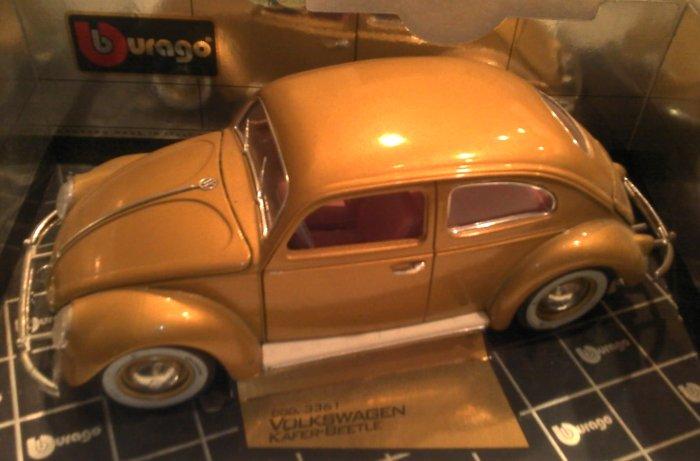 Model Volkswagon 1955 Gold Bug Pink Interior