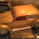Model Volkswagon 1955 Gold Bug Pink Interior