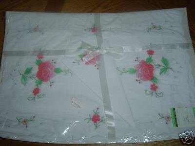 White and Rose 8 piece Embroidery Broderie