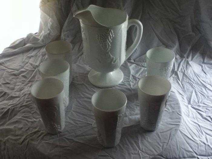 Indiana Harvest Milk Glass Beverage set