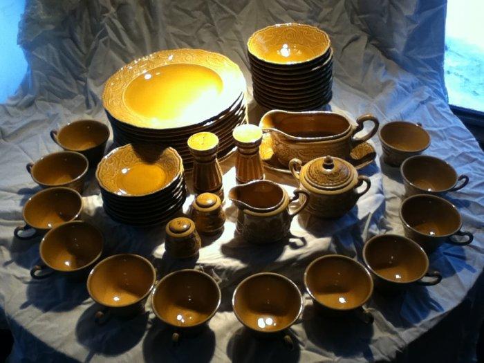 50 pc Regency Canonbury Pottery Dinnerware
