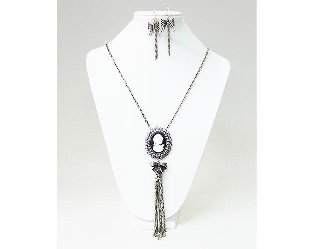 Monaliza Concept Pendant Necklace (Black/Silver)