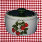 MCCOY STRAWBERRY COUNTRY 2 QT COVERED CASSEROLE BAKER
