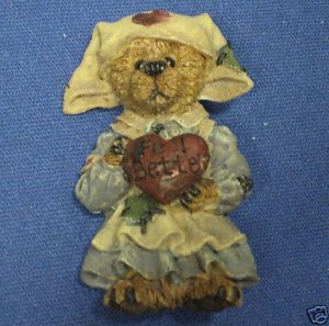 BOYDS BEARS NURSE TEDDY LAPEL PIN BROOCH RESIN CUTE
