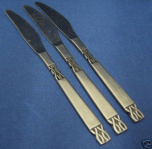 ORLEANS VICTORIA STAINLESS FLATWARE 3 KNIVES KNIFE NR