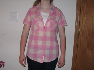 AUTHENTIC RUGGED COMPANY ADULT SIZE S SHIRT PINK AND IVORY BUFFALO PLAID SHORT SLEEVE