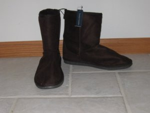 FADED GLORY WOMEN'S SIZE 8 BROWN (CHOCOLATE) FAUX SUEDE BOOTS SLIPPERS VANESSA STYLE NAME