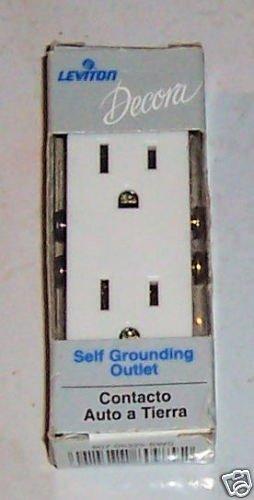 Leviton Decora Self Grounding Outlet white 15amp 125vlt