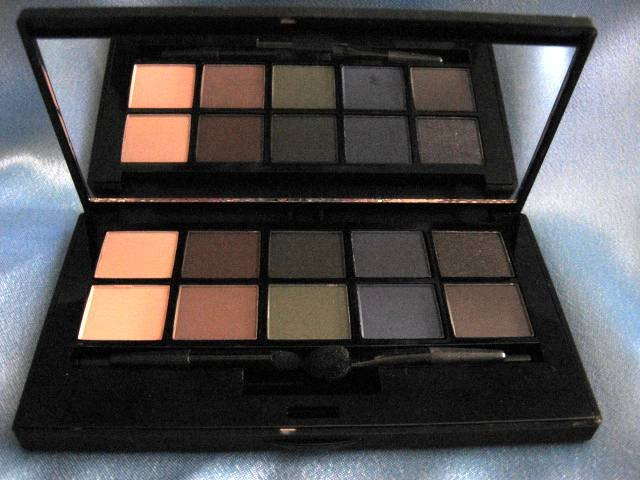SMASHBOX Smokebox Eye Shadow Palette Retails $38!