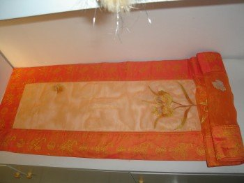 Table runner pattern silk and organza