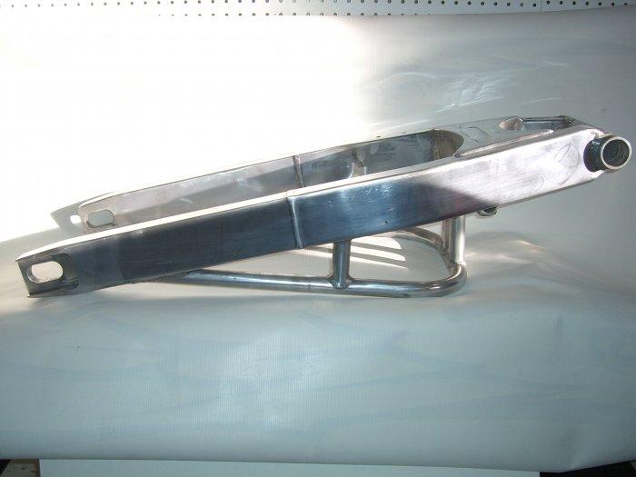 SUZUKI  GSXR 600/750 01-03 FIXED LENGTH SWINGARM