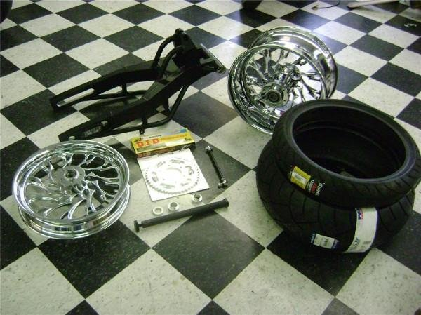 CBR 1000RR 240 TIRE KIT BLACK ARM CHROME WHEELS