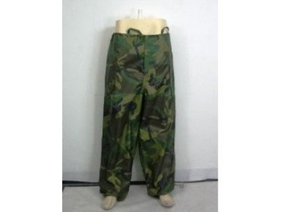 Military Woodland Camouflage TROUSER WET WEATHER MEDIUM Camping Hunting Rain Ponch Pants