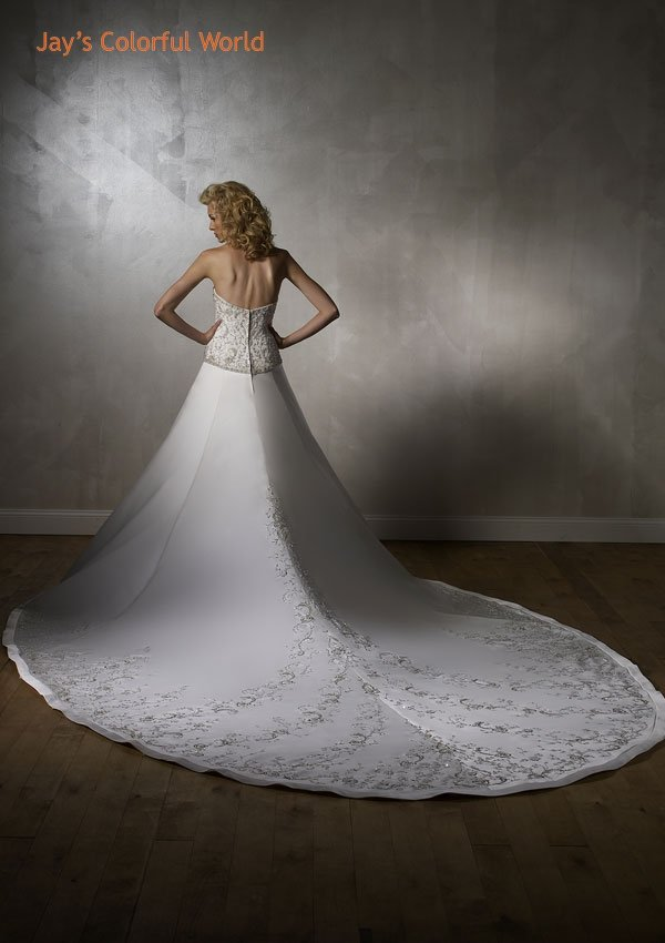 Luxury Backless Strapless Embroidery Beading with Royal Train Wedding Dress Bridal Gown