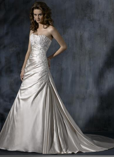 Custom made A-line Scoop Neckline Appliqued Beaded Wedding Dress