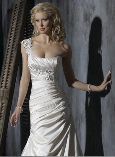 Custom made Sheath Appliqued Beaded One-shoulder Wedding Dress