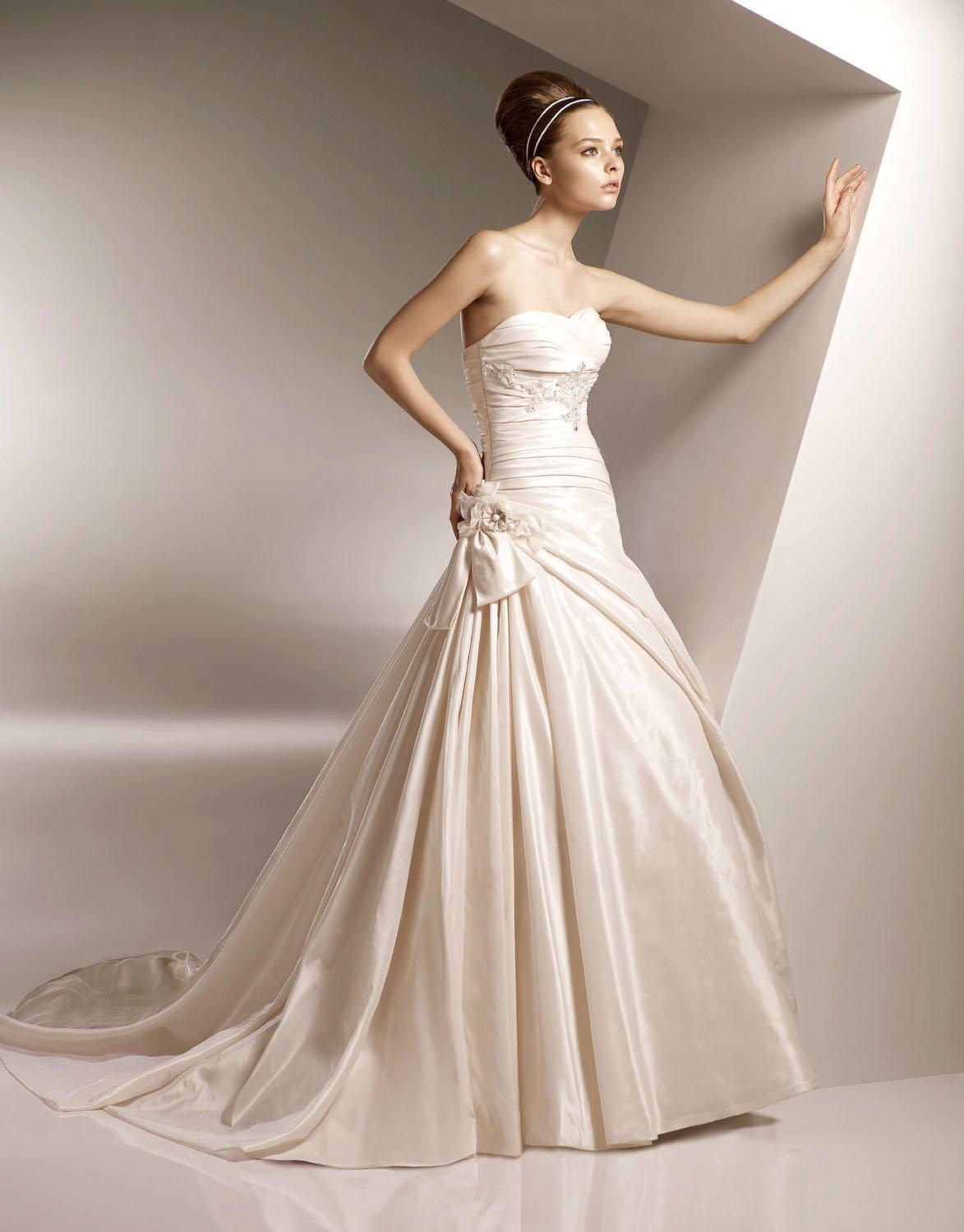 Sweetheart Appliqued Beading Taffeta Wedding Dress Bridal Gown