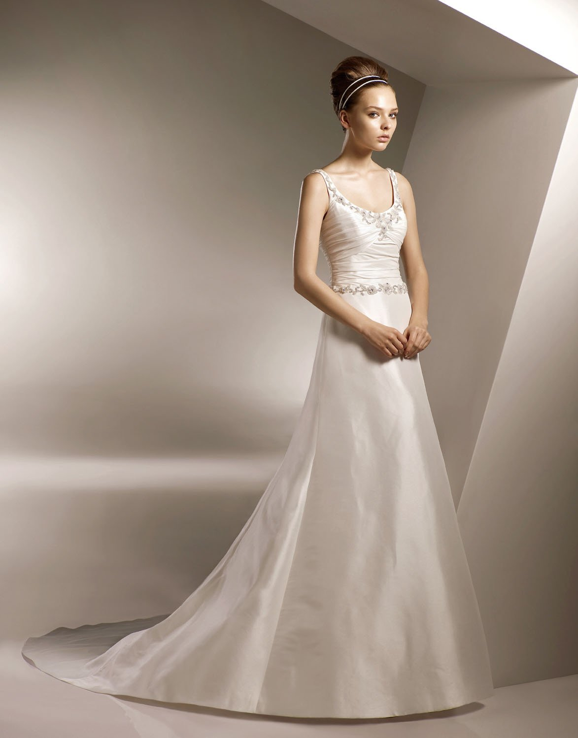 A-line Cap Sleeve Appliqued Beading Sweep Train Wedding Dress Bridal Gown