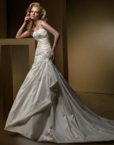 Sweetheart Appliqued Beading Taffeta Wedding Dress Bridal Gown aq0032