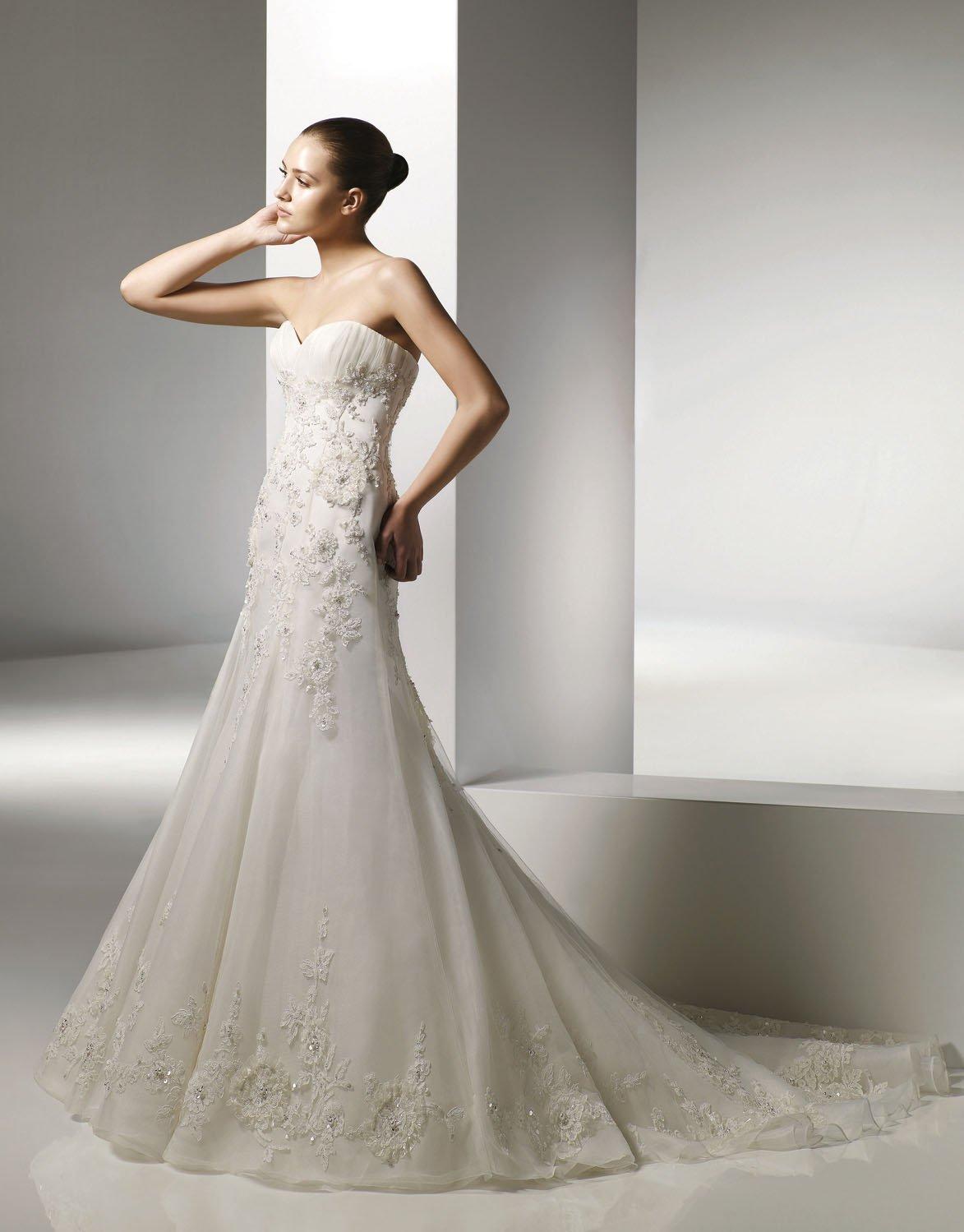 V-neckline Appliqued Beading Organza Wedding Dress Bridal Gown aq0036
