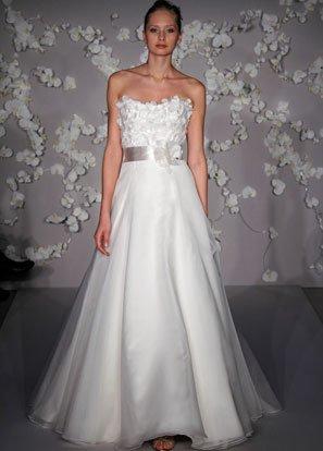 A-line Scoop Neckline Strapless Organza Wedding Dress Bridal Gown JH010